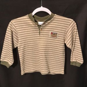 Buster Brown boys size 5 long sleeved tee green